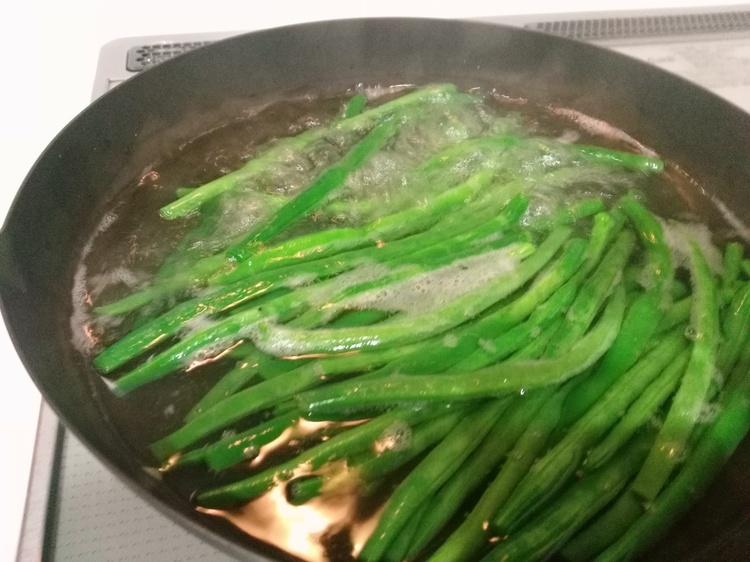 青野菜と塩